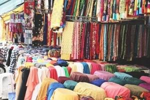 Cho vay tài trợ vốn sản xuất kinh doanh cho các hộ kinh doanh, tiểu thương tại chợ vải Ninh Hiệp, Hà Nội