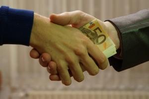Dịch vụ đáo nợ giải chấp ngân hàng là gì? Nên vay mượn tiền đáo hạn ở đâu nhanh nhất lãi suất thấp?