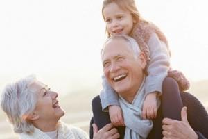 Vay tín dụng hưu trí là gì? Tại sao vay tín chấp theo lương hưu là món quà dành cho người già?
