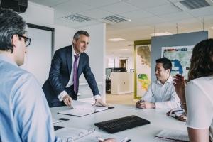 Vì sao doanh nghiệp vừa và nhỏ lại gặp khó khăn khi tiếp cận vay vốn ngân hàng ?
